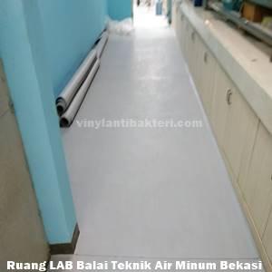 Vinyl ruang laboratorium