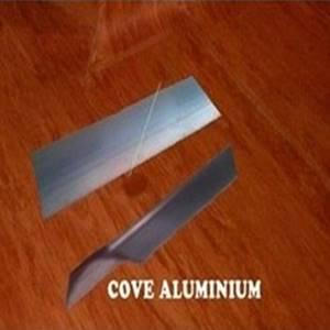 Cove lantai vinyl